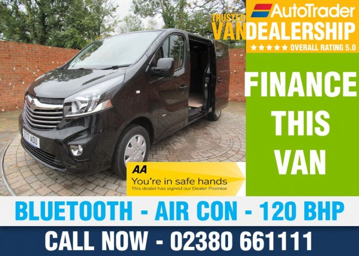 Used VAUXHALL VIVARO in Romsey for sale