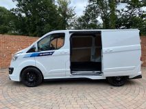 FORD TRANSIT CUSTOM 270 RS SPORT WITH LEATHER SEATS  - 1907 - 9
