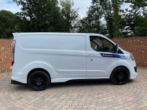 FORD TRANSIT CUSTOM 270 RS SPORT WITH LEATHER SEATS  - 1907 - 34